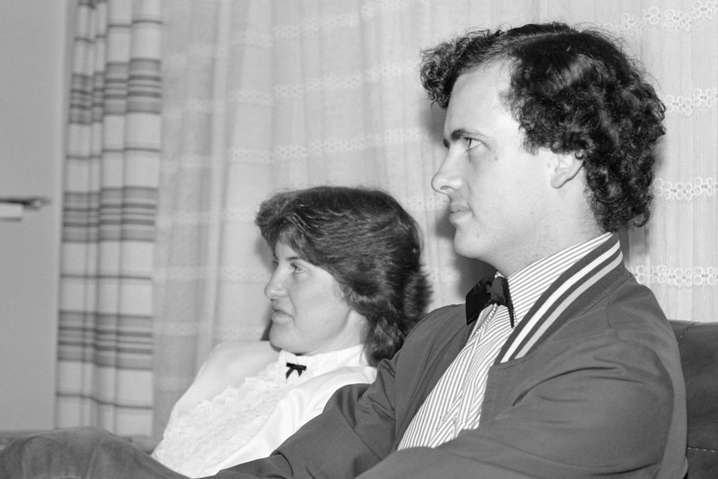 1982 Oscar Memorial Card Night. Anne Dalton (President 1982) and Jon Linehan (President 1981 following the valid AGM.)