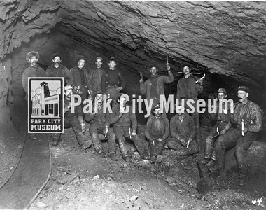 Underground mine crew, ca.1900 (Image: 1984-1-38, Bea Kummer Collection)