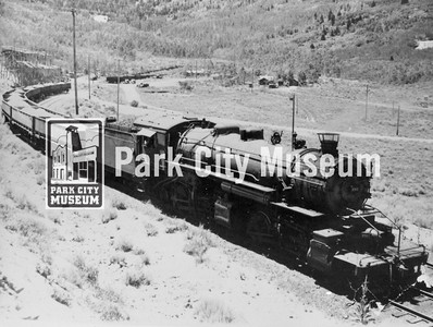 Park Con ore train coming out of the Deer Valley, through Rossi Hill to the Ontario loading station, ca.1920s-1930s (Image: 1984-1-4, Bea Kummer Collection)