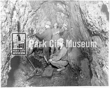 Underground min crew, ca.1900 (Image: 1984-52-7, Bea Kummer Collection)