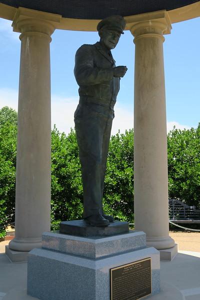"Reynolds Garden - ""The Supreme Commander"""