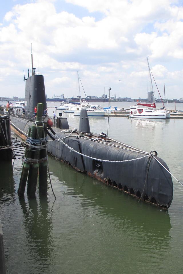 U.S.S. Clamagore (SS-343)