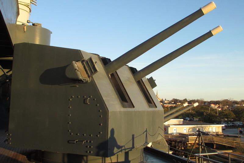 """5""""/38 (12.7 cm) Mark 12 Dual-Purpose Gun"""