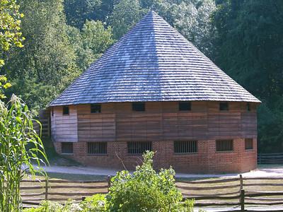 Virginia. Mount Vernon. Barn.