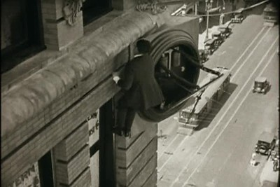 1923, Safety Last - Climbing Bolton Building