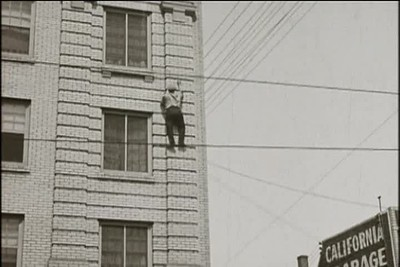 1923, Safety Last - Cop Chase Up Building