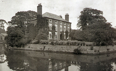 This is Moat House still standing  and a private residance accessed from  the top of Culver street