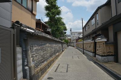Nezu (根津) and Yanaka (谷中)