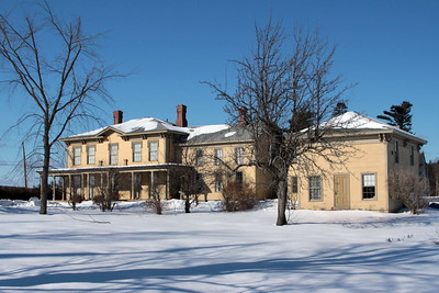 Washburn mansion, farmer's cottage, and carriage house