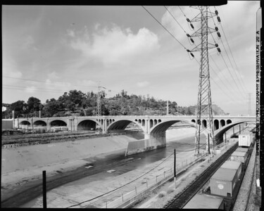 1999, Looking Northwest at North Broadway Bridge