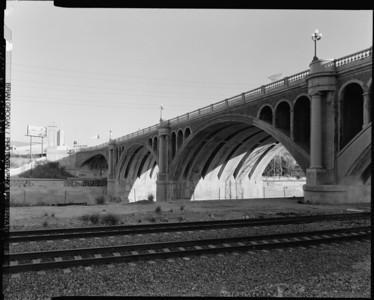 1999, Looking Southeast Next to North Broadway Bridge