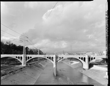 1999, Southside of Broadway Bridge