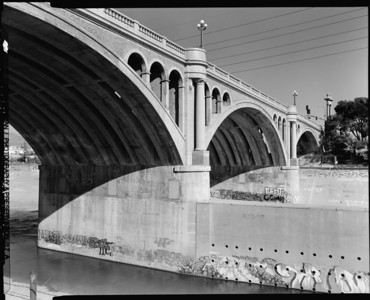 1999, Looking Northeast Under the North Broadway Bridge