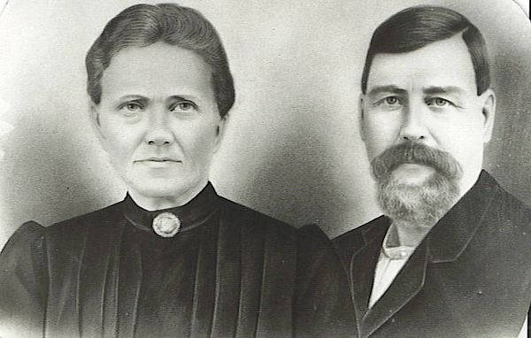 1. John Clinton Barrett (b. Feb 19, 1853 or '55) was probably the son of Thomas (b. ca 1825) and Sarah (b. ca 1825) of Hawkins County, TN. He had a brother Samuel (b. ca 1868 and died in Phoenix, AZ on January 11, 1944.) along with some other siblings. [FOR MORE INFO ON SAMUEL BARRETT SEE THE LAST PHOTOS IN THIS GALLERY.] John married Sarah Elizabeth Baldwin (daughter of William Carroll and Elizabeth Brooks Baldwin) about 1875 and lived in Hancock County, TN with four children: Mary (1876-1962), Betty (1877-1951), Eliza (1880-1960) and William'Bud' (1882-1964).  In August, 1885 they sold their place north of the Clinch River and east of Sneedville, TN and moved to southern Missouri where they homesteaded northwest of Gainesville. Along with them on the migration was Sarah's mother, and her brothers Arthur Y., Lewis M. and James Arthur Baldwin and their families. Also, Sarah's sister, Mary Catherine Baldwin Allen and her husband, Thomas, came along. Tom Allen was a cousin to John Clinton Barrett, besides being his brother-in-law.