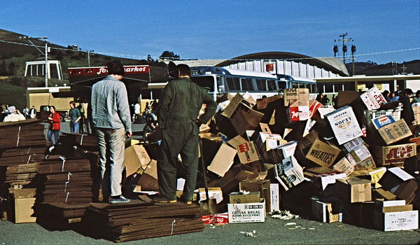 3*Mon, Jan 18, 1971<br /> People: volunteers<br /> Subject: boxes for birds covered in oil and plucked out of the water.<br /> Place: Mill Valley, Marin Co<br /> Activity: clean-up<br /> Comments: Tanker oil spill near Golden Gate Bridge.  Covered thousands of birds in bay and ocean.  Charter busses (from other parts of Calif?)