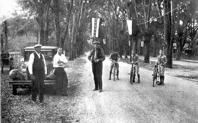 An Orange Park street scene in 1929. Included in the picture are George Shumeyer, George Austead, (?) Elmore. Courtesy of the State Archives of Florida, Florida Memory, http://floridamemory.com/items/show/6504