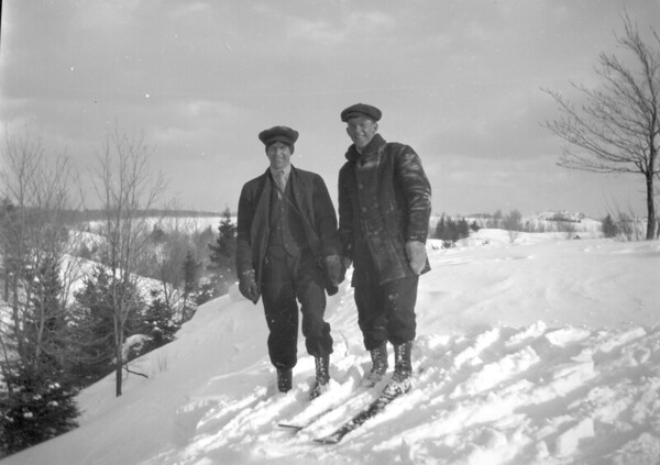 Oscar Stensaa Collection - skiing