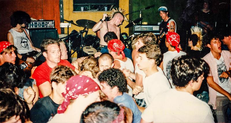 Half Life Performing at The Electric Banana