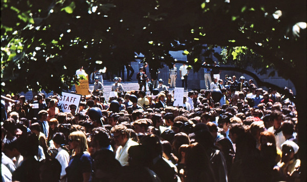 4*Tue, May 20, 1969<br /> *People: cops clearing plaza<br /> Subject: faculty vigil<br /> *Place: Sproul Plaza<br /> Activity: ppp<br /> Comments: