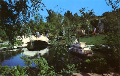 Prop Plaza Scenic Lagoon