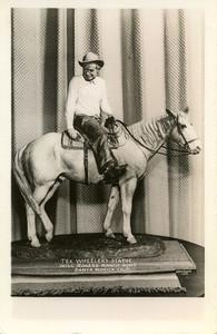 Tex Wheeler's Statue