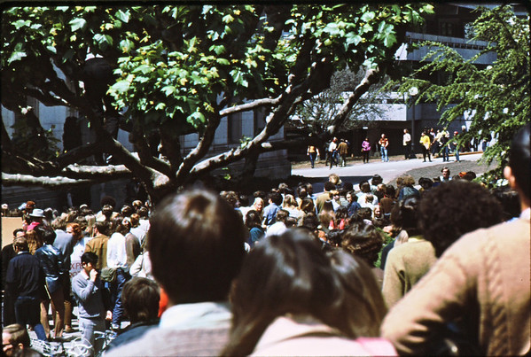 3*Wed, Apr 15, 1970<br /> *People: crowd<br /> Subject: <br /> *Place: California Hall, UCBerkeley campus<br /> Activity: protest ROTC<br /> Comments: