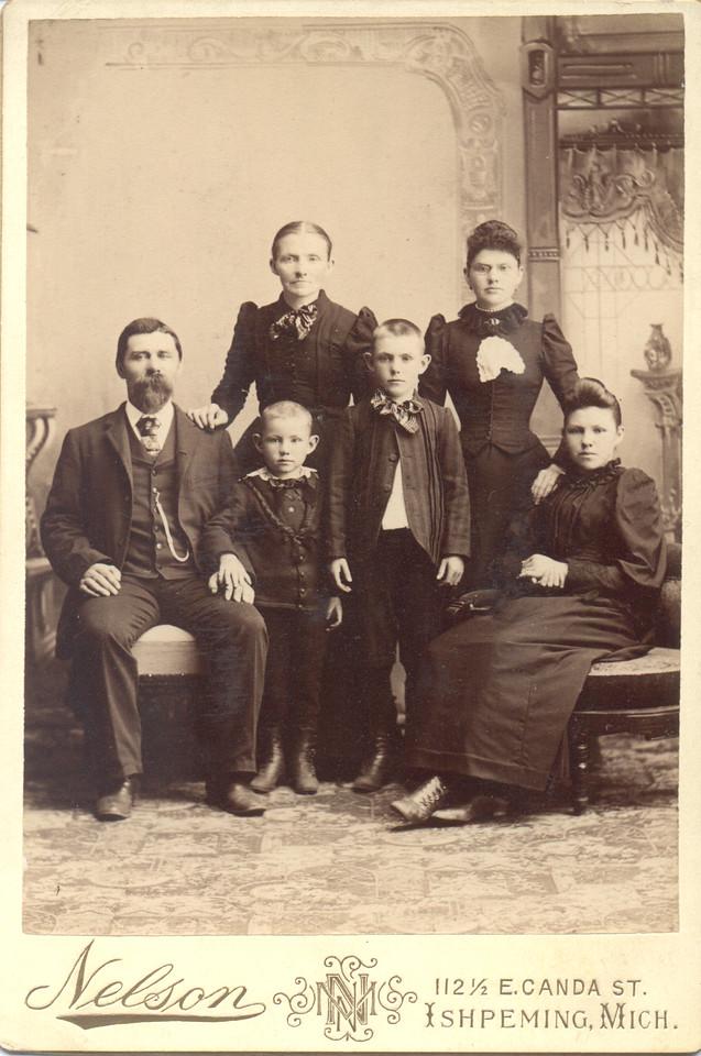 """Hans Johnson (Johnsen)<br /> Caroline Fredrikke (Eggen) Johnson<br /> Hansine Fredrikke Johnson<br /> Henry """"Hank"""" Johnson<br /> Alfred Johnson<br /> Jennie (Johnson) Quayle"""