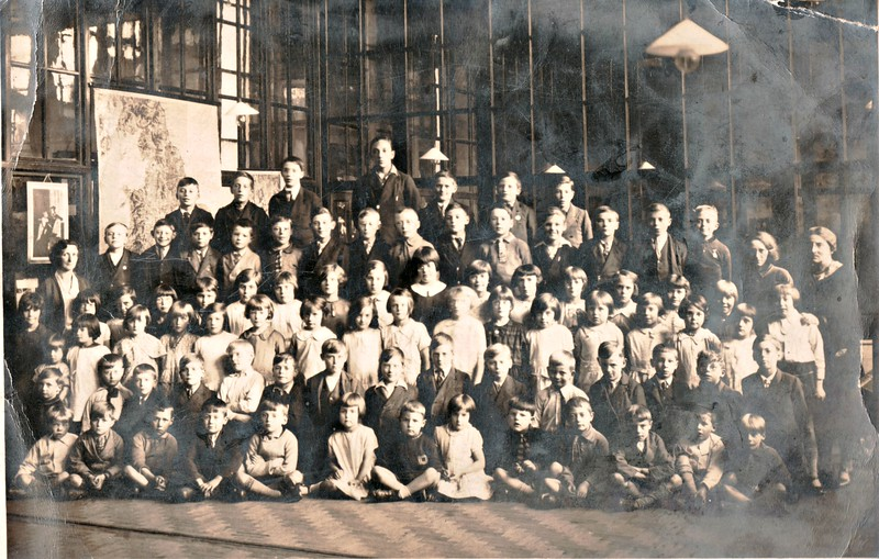 Rawtenstall St Johns School, Cloughfold, 1930-31  Front row 7th from left Peter Nuttall, next to him Jessie Nuttall