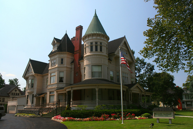 Perry Hanna House (ca. 1891) - Traverse City