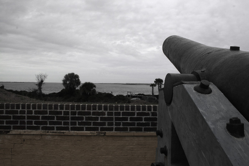 A single cannon face the sea from the older portion of the fort...This cannon represents the earliest armament of Ft. Moultrie. In 1776, the fort's 30 smoothbore guns defeated an attack by the British fleet armed with over <i>200 guns!</i>