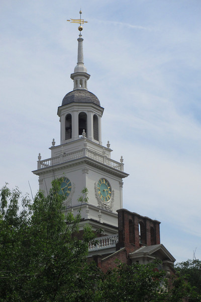 As soon as you leave the visitor center the spire of Independence Hall beckons across the green.  Its a good orientation point as you wander the streets around the park...
