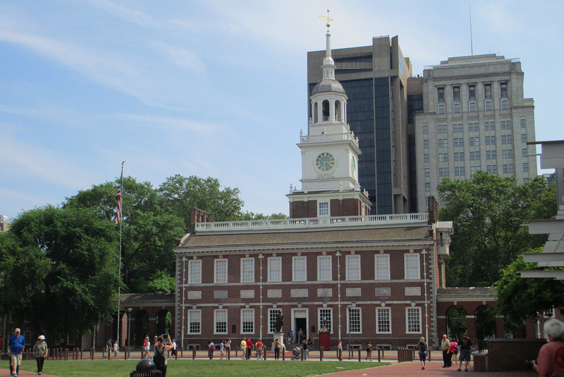 Waiting in line for the security checkpoint at the entrance to the Liberty Bell Center gave me a chance to shoot a couple more pics of Independence Hall...