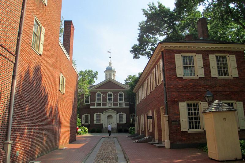 Heading down the narrow alley between the <i>Pemberton House</i> and <i>New Hall</i> facing <i>Carpenter's Hall</i>...