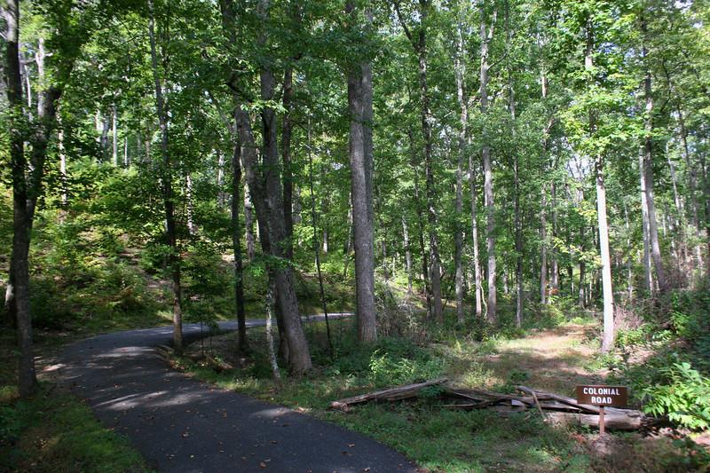 Battlefield Trail - Colonial Road