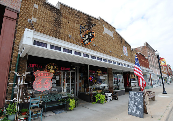 Globe/T. Rob Brown<br /> SACS 66 in downtown Baxter Springs, Kan.