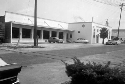 Outside Huttig's modified truck loading dock in 1957. Courtesy of the State Archives of Florida, Florida Memory, http://floridamemory.com/items/show/167230