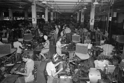 Interior view showing employees working inside the King Edward Cigars factory. Courtesy of the State Archives of Florida, Florida Memory, http://floridamemory.com/items/show/167727