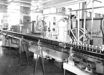 Inside the Coca-Cola Bottling Company in 1948. Courtesy of the State Archives of Florida, Florida Memory, http://floridamemory.com/items/show/51588