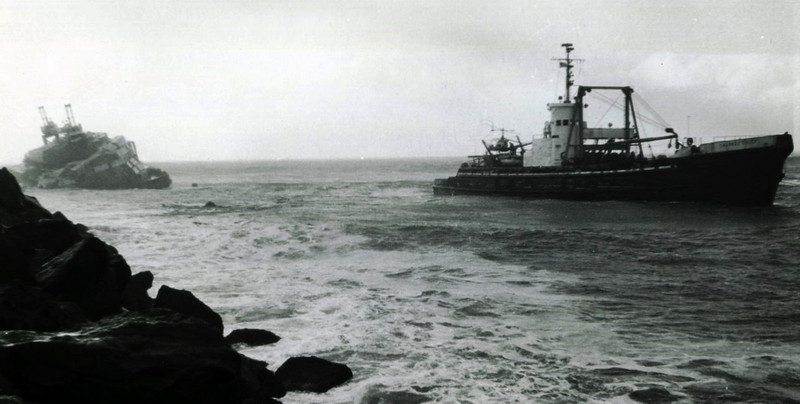 Barge Cedar Grounded Brookings Oregon,Salvage Chief,1964,