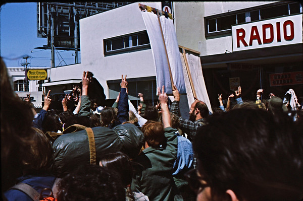 3*Sat, Apr 24, 1971<br /> People: marchers<br /> Subject: peace signs<br /> Place: SF<br /> Activity: protest<br /> Comments: