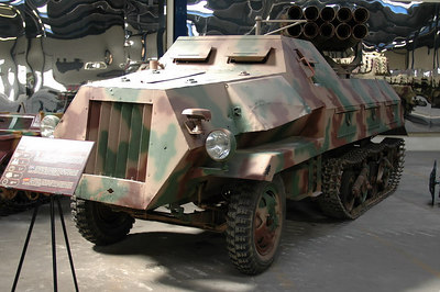 SdKfz 4/1 (15cm Panzerwerfer 42)