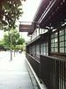 島津創業記念資料館は創立100年を記念し初代島津源蔵が、その事業を始めた木屋町二条南に1970年代の中頃に設立された。私はその頃まだ島津製作所に勤務していた。社員が、宴会などを開くこともできた。私の退社後、比較的最近になり、純然たる資料館に改造された。