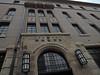島津製作所旧本社、現在は主力工場の三条地区へ移転している。京都オークラホテルの前という一等地にあるため、建物はレストラン、結婚式場などに賃貸している。この建物は1920年代に建てられた。
