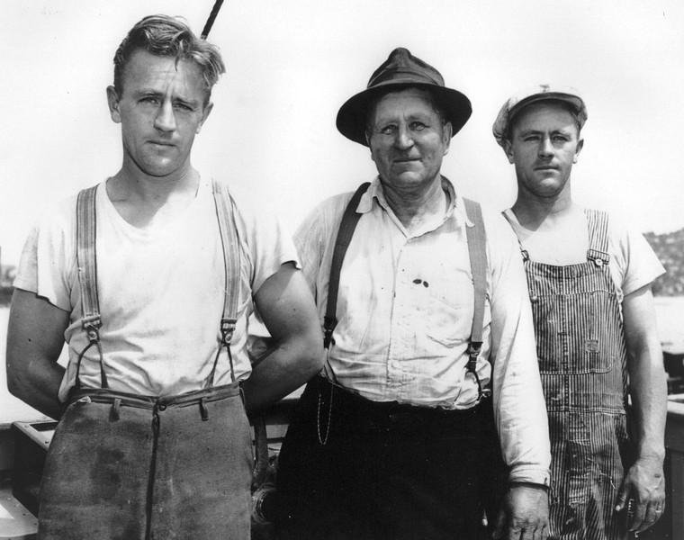 Willard_Rockom_Joe_Rockom_Willis_Rockom_Grandy_Boat_Works_1945_Seattle