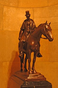 LincolnSculpture1