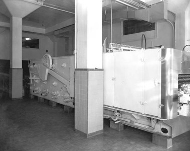 Machine at the Coca Cola Bottling plant in 1948. Photograph courtesy of State Archives of Florida, Florida Memory, http://floridamemory.com/items/show/51590