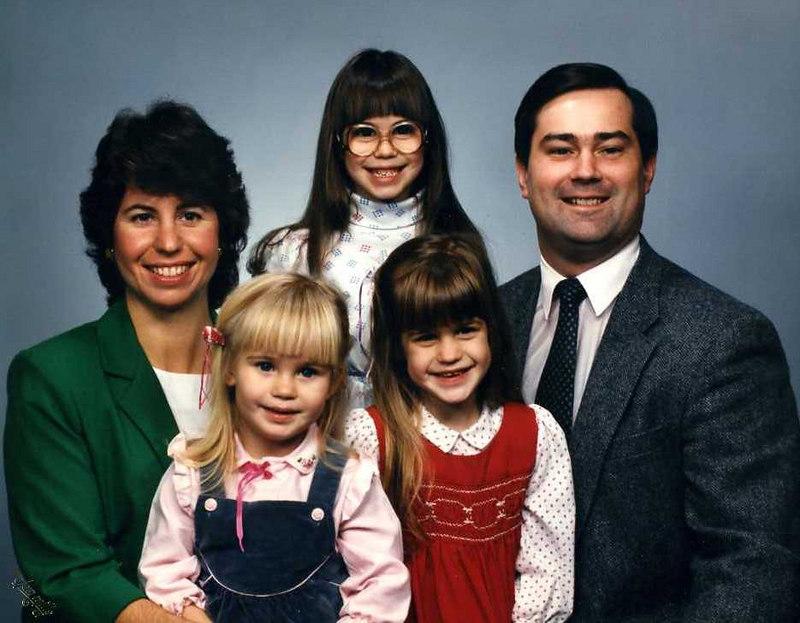 Linda, Janine, Kristen, Sarah & Keith Stickney