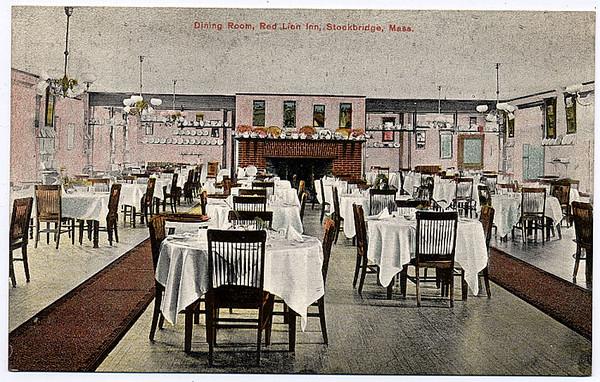 Stockbridge Red Lion Dining Room