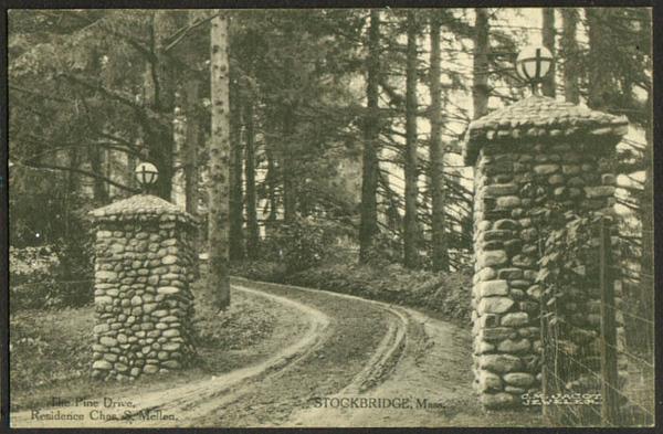 Stockbridge Dr Mellen Residence