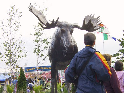 MOOSE (in bronze) HAS BEEN ERECTED NEAR THE STATUES OF SAMUEL DE CHAMPLAIN AND FRANÇOISE-MARIE JACQUELIN